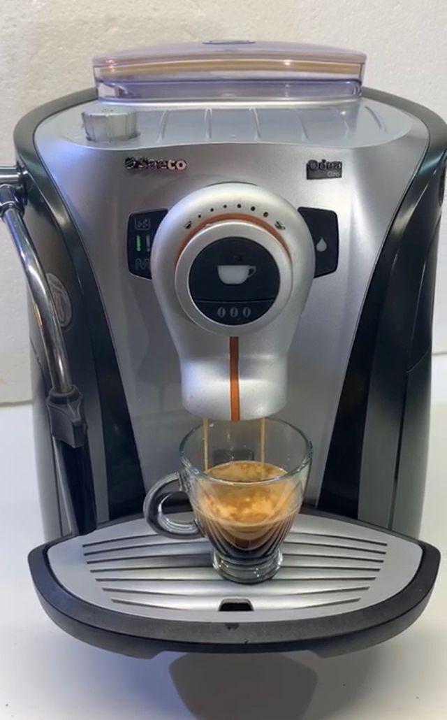 Cafetera Saeco Odea Giro Plus