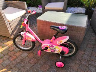 Bici b-twin con ruedines y timbre. 3-4años.