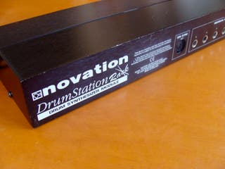 Drumstation Rack Novation / TR909 TR 808 emulation