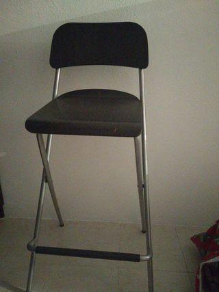 silla alta tipo bar. modelo Franklin de Ikea.