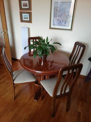 salón mesa y sillas