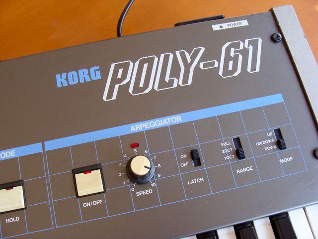 Teclado analogico Korg Poly 61 con Midi in