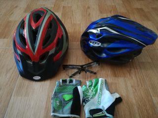 vendo cascos de bicis , guantes y gafas
