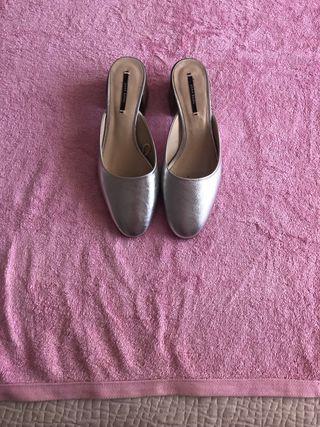 Zapato plata de Zara