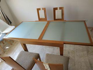 mesa de salon con 4 sillas