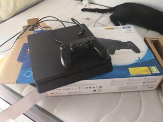 se vende PS4 uso de 4 meses