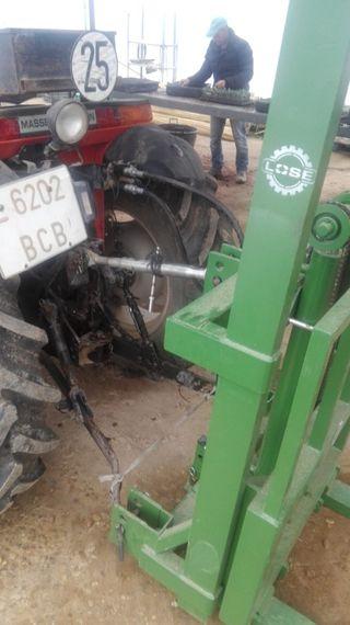 Pinza hidráulica portapalets para tractor.