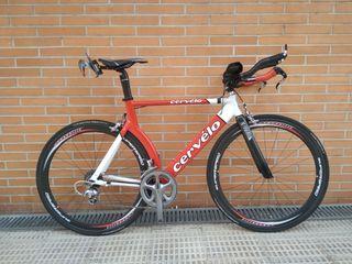 Bicicleta triatlón Cervelo P3 + ruedas carbono