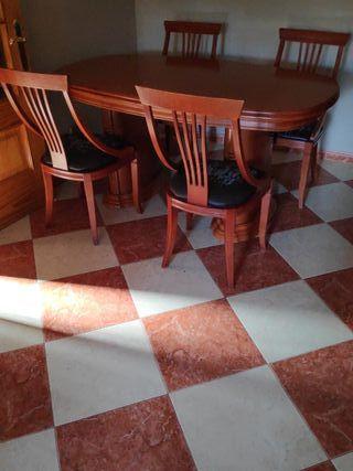 Mesa de Salón + cuatro sillas