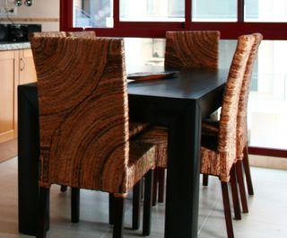 Mesa salón comedor (extensible) + sillas de banano