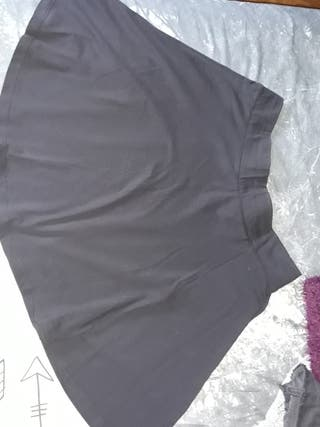 falda negra basica
