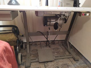 Maquina industrial de coser JUKI