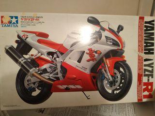 Maqueta Moto Yamaha YZF-R1