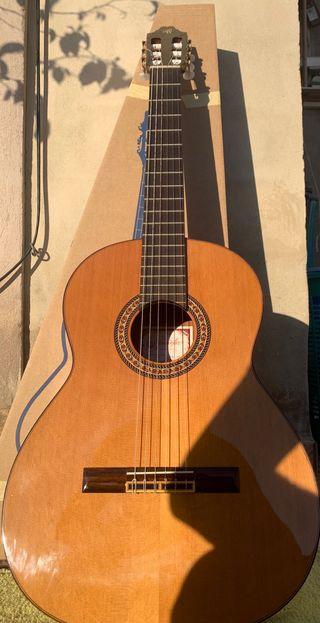 Guitarra Prudencio Saenz Model 16