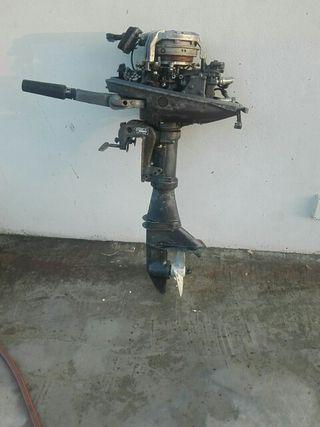 Vendo Motor Mariner 8 h.p para piezas