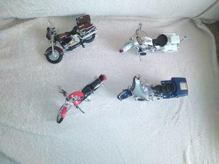 4 Motos a escala Harley