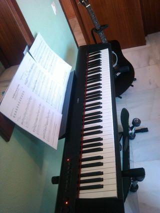 Piano Yamaha piaggero Np-31