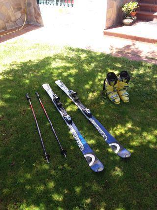 Esquís, botas y bastones