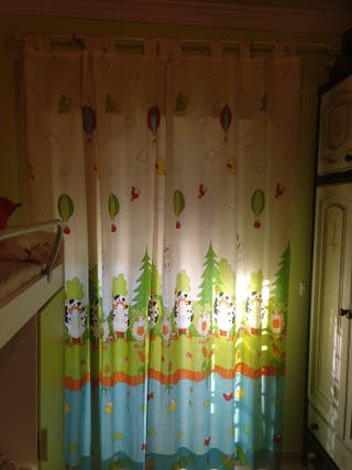 cortinas y 2 colchas infantiles