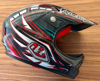 Casco integral bici carbono Troy Lee D2