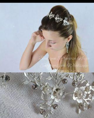 Diadema floral en plata ,flexible ,para novia
