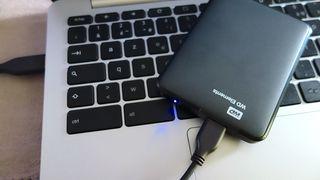 Disco duro externo portátil de 2 TB (WD Elements)