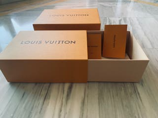 Caja de zapatos Louis Vuitton