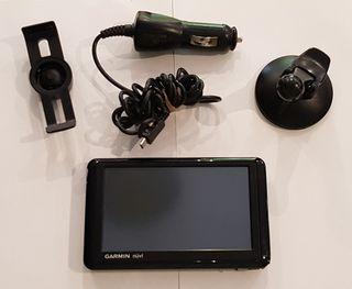 Navegador GPS Garmin Nuvi 1310T.