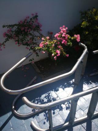 escaleras piscinas