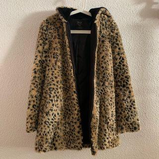 d6019cd7c Abrigo Zara leopardo de segunda mano en WALLAPOP