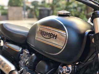 scrambler triumph 900