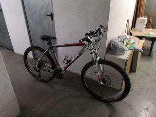 220cb504fb9 Bicicleta de descenso Trek de segunda mano en WALLAPOP