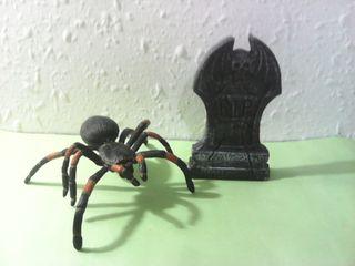 Lapida vampiro y araña ,terror halloween gotico