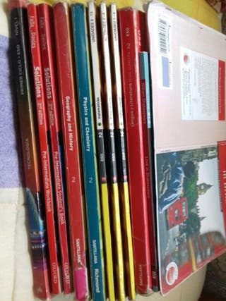 Libros de 2 ESO British del IES Enrique Nieto