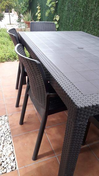 mesa de jardín + 6 sillas