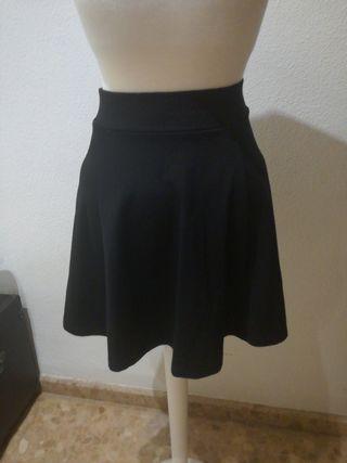 f443a64c5 Falda negra elástica de segunda mano en la provincia de Valencia en ...