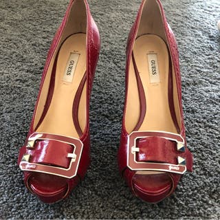 8a0fafbf Zapatos de tacón rojos de segunda mano en Barcelona en WALLAPOP