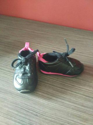 Zapatillas 18/19, chanclas17/18 y zapatos 19