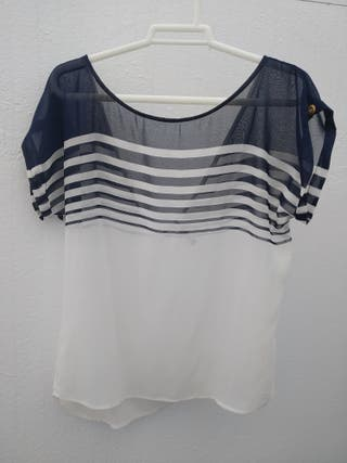 Camisa rayas marineras con escote atrás. Talla M