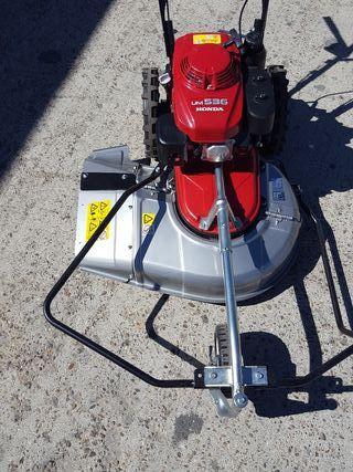 desbrozadora de ruedas honda um536