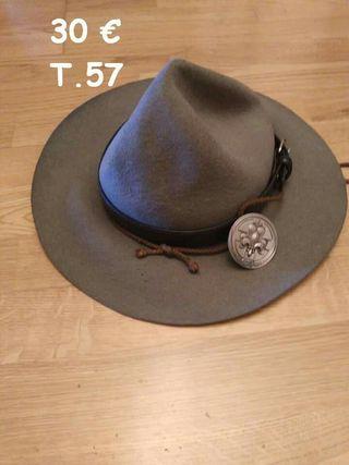 sombrero 4 bollos con insignia msc