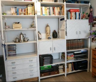 Librería de bambú lacada en blanco