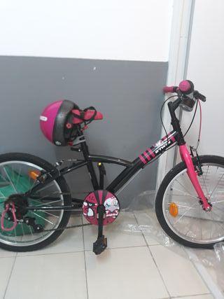 Bicicleta nueva ,marchas ,luz ,timbre y casco .