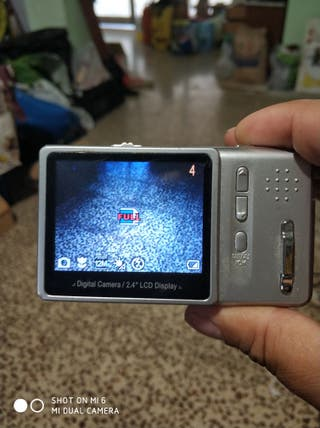 Camara de Fotos AIPTEK pekeña a pilas