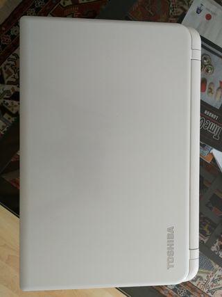 Toshiba Satellite L50-B-139 - i5-4200U, 4GB RAM DD
