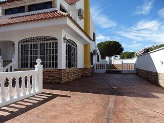 Casa adosada en alquiler en Aljaraque