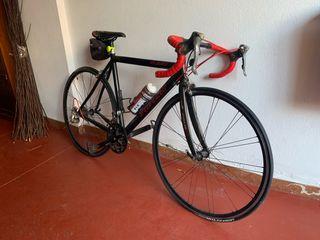Vendo bicicleta de carretera Specialized