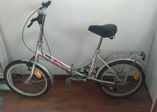 Bicicleta plegable 6 marchas + extra cámara + pata