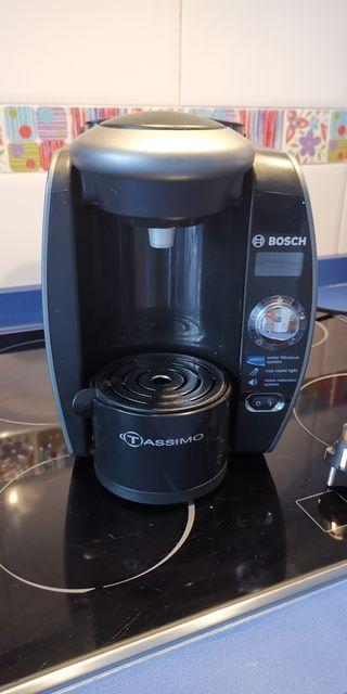 Cafetera Tassimo con filtro de agua Brita
