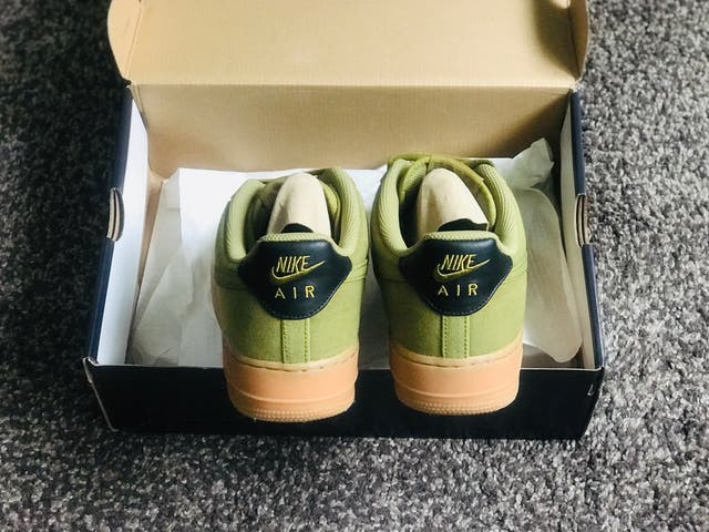 Zapatillas NIKE AIR FORCE ONE '07 LV8 STYLE (43)